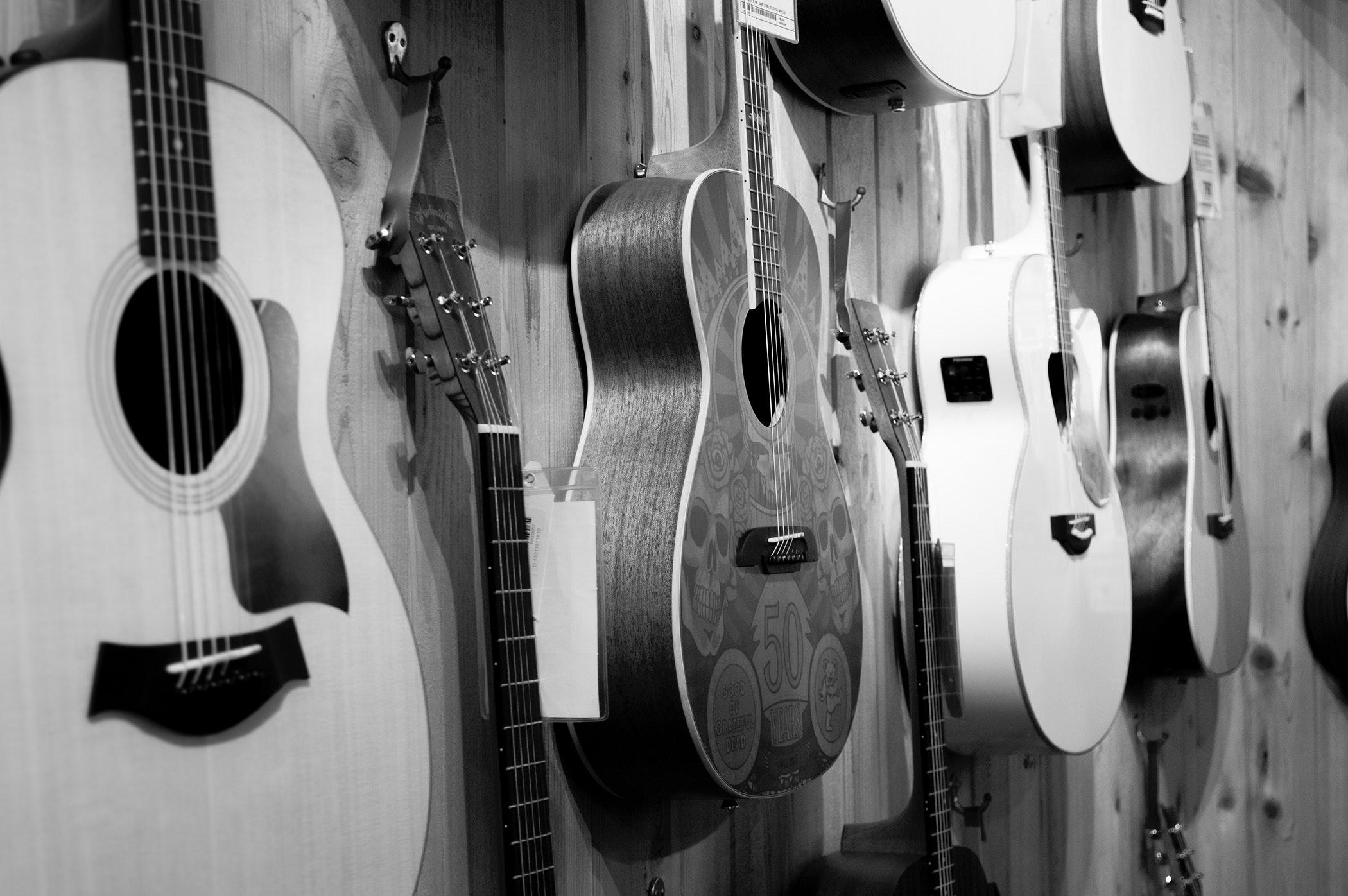 Jakie kupić gitary akustyczne do nauki gry